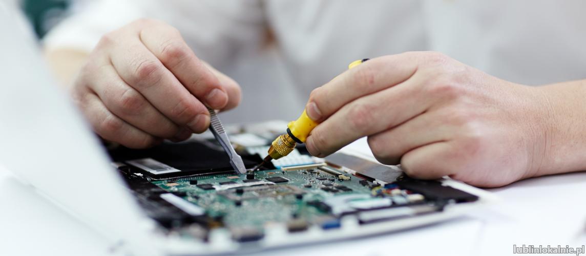 Kompleksowe naprawy komputerowe